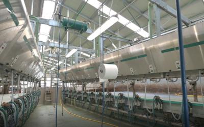 Nuova sala di mungitura GEA Farm Technologies parallela con cancello di uscita verticale DairyParlor P7550 presso l'Azienda Gramaglia.